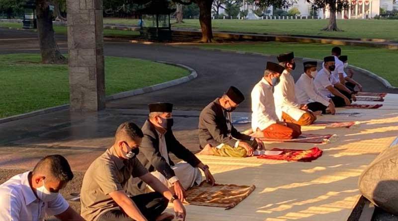 Presiden melakukan sholat Idul Adha di Komplek Istana Bogor
