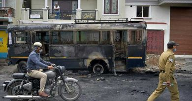 Kerusuhan-akibat-postingan-Facebook-di-India