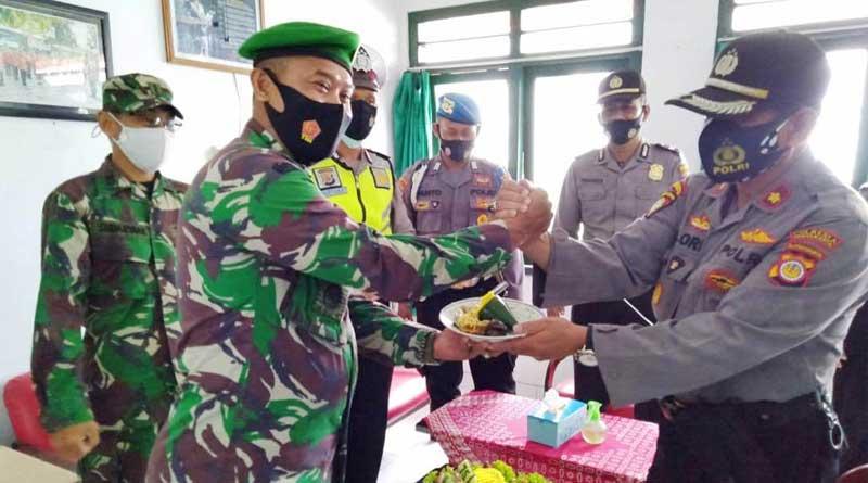 HUT-TNI-Korami-polsek-pakua