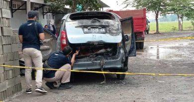 Mobil-terbakar-di-duga-keluarga-presiden