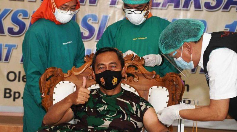 Pangdam-IV-Diponegoro-Divaksin-Covid-19-jurnaljateng.id