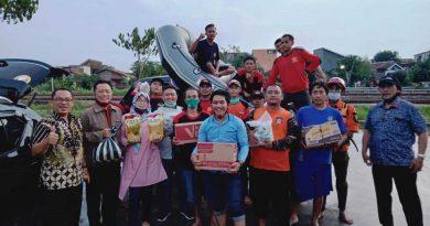 AWPI-Kota-Semarang-memberikan-bantuan-Sembako