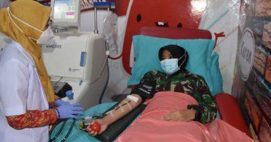 Donor Plasma prajurit TNI Kodam IV/Diponegoro