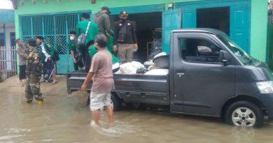 Bantuan sembako gp ansor warga terdampak banjir kendal