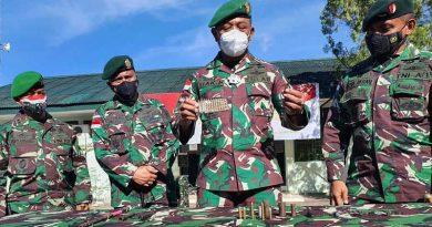 Brigjen Izak Pangemanan Pers Release Bongkar penyelundupan Senjata