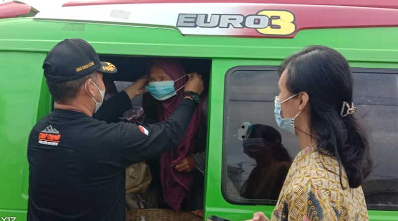 Griya Persada hotel Bandungan Peduli Bagi Masker-JJID