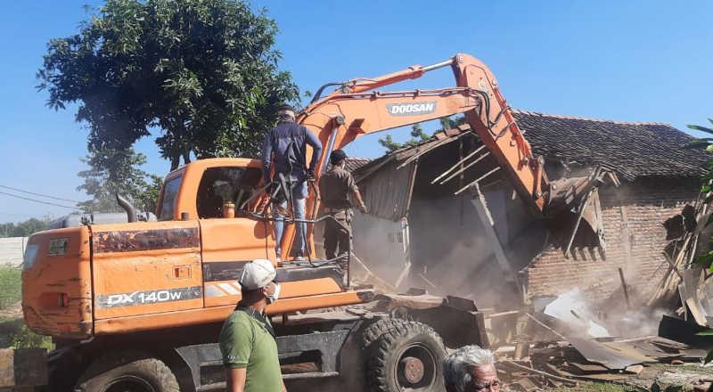 Perobohan Rumah Di Karangsari Semarang