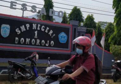 Depan SMPN1 Donorojo Jepara-essado